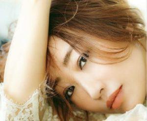 神崎恵さんの画像