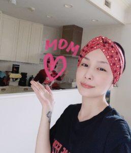 中島美嘉さんとお母様の画像