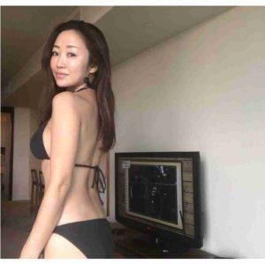 神崎恵さんの最近の水着写真