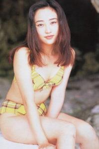 神崎恵さんのグラビア画像