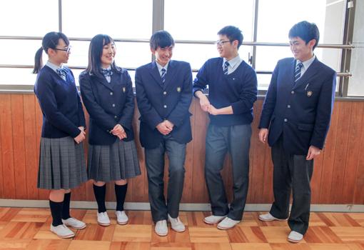 浜松市立高校の生徒の画像