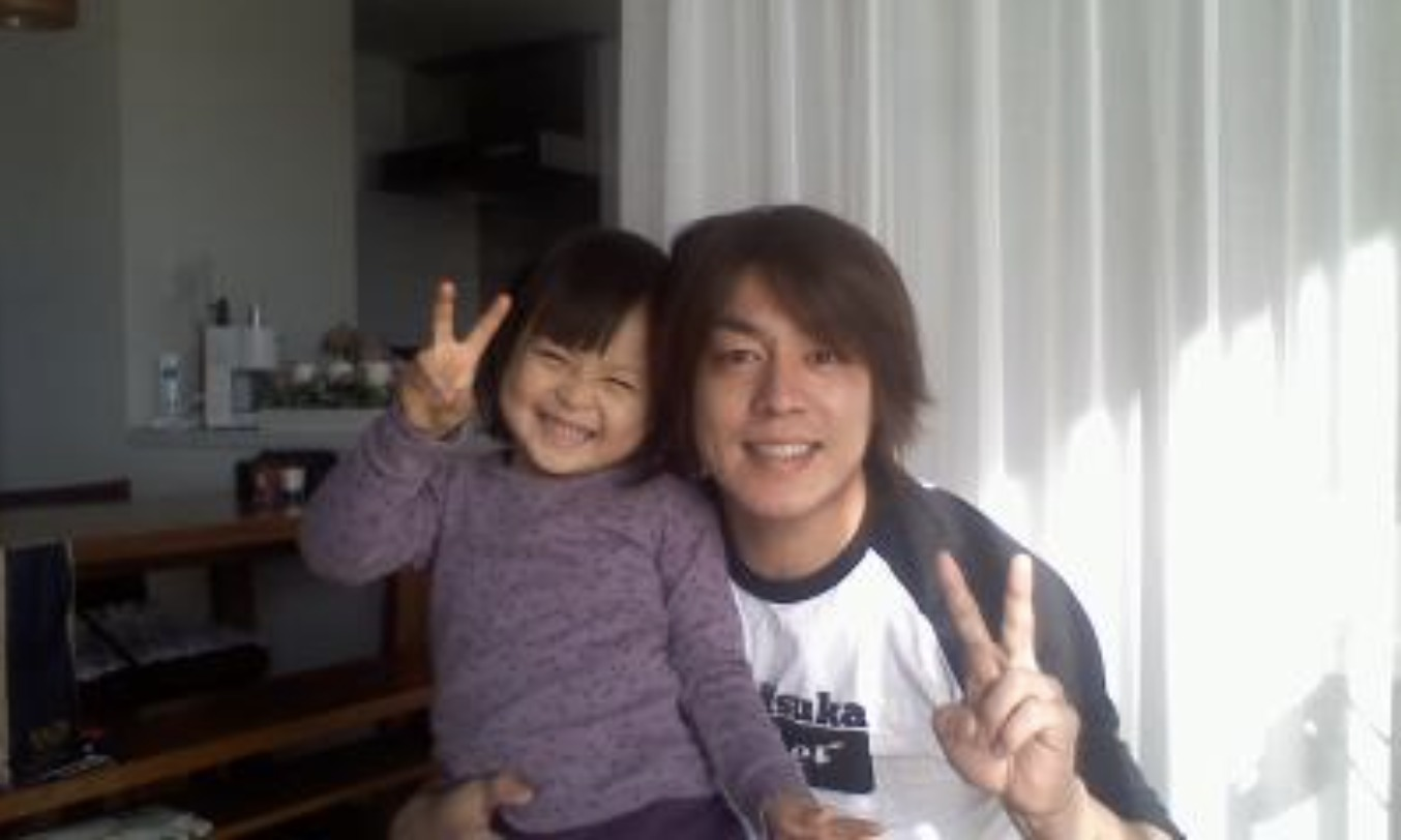 宮崎大輔さんと娘さんの画像