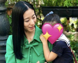 三浦瑠璃さんと娘さんの画像