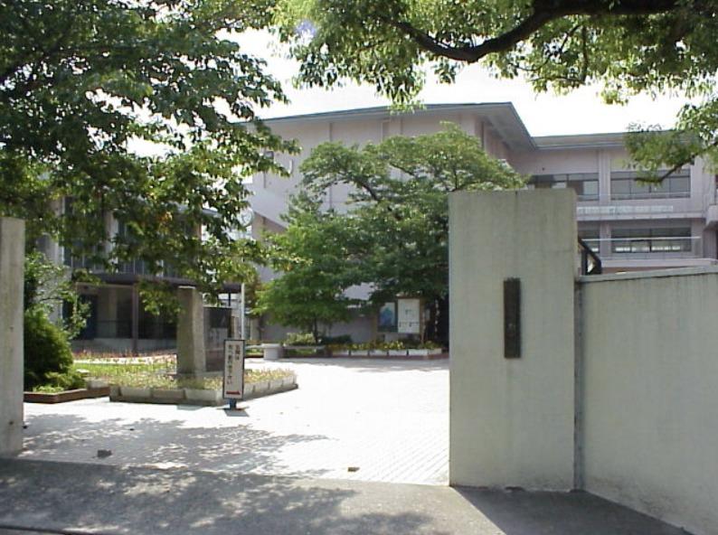 上京中学校の画像