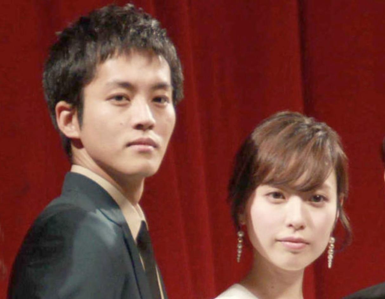 松坂桃李さんと戸田恵梨香さんの画像