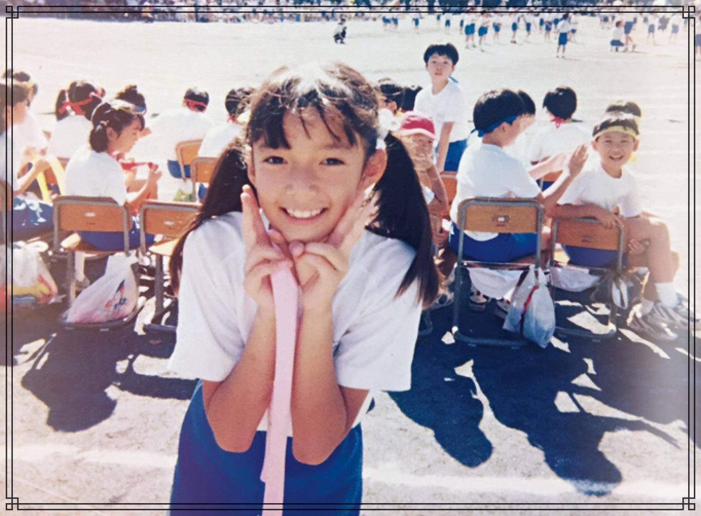佐藤栞里さんの子供時代の画像