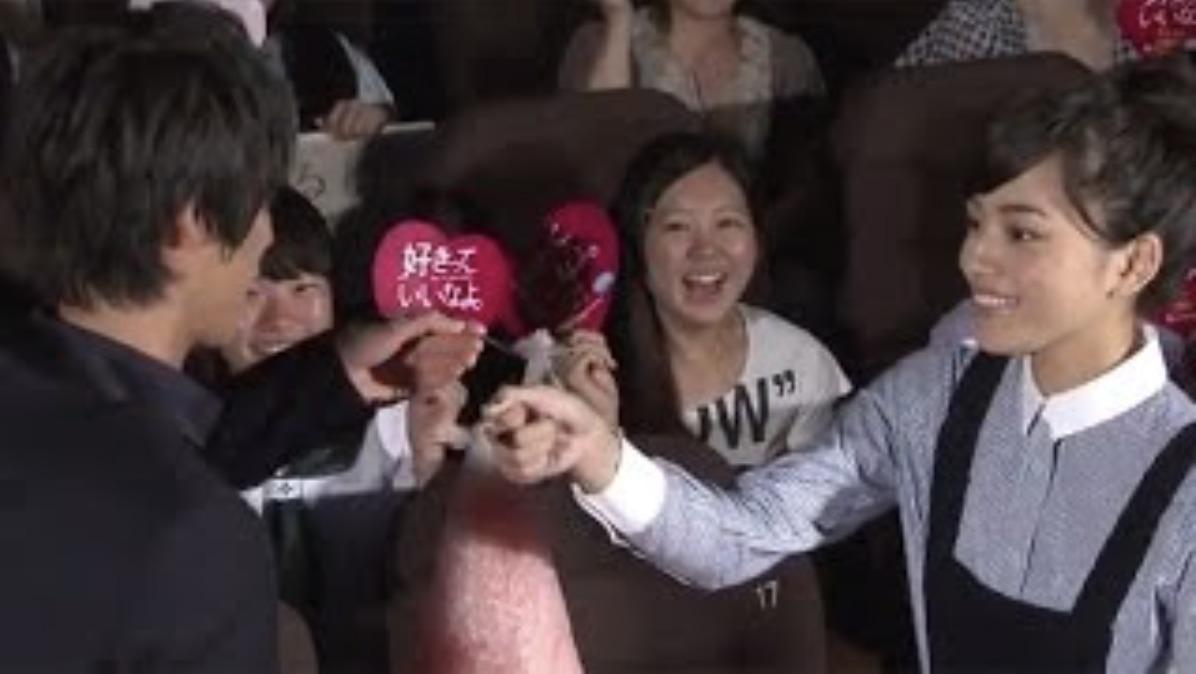 川口春奈さんと福士蒼汰さんの画像