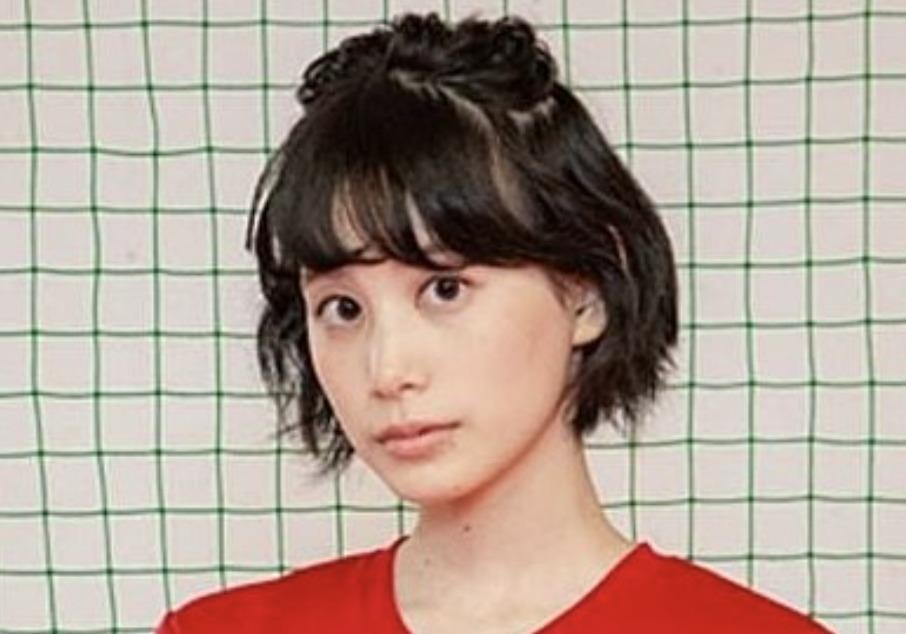 金城茉奈さんの画像