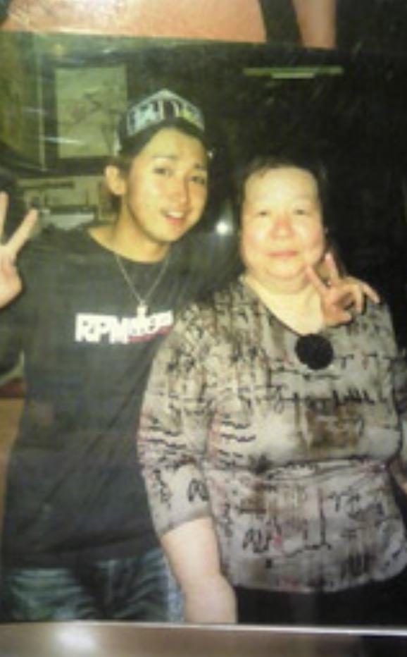 大野智さんと母親?の画像